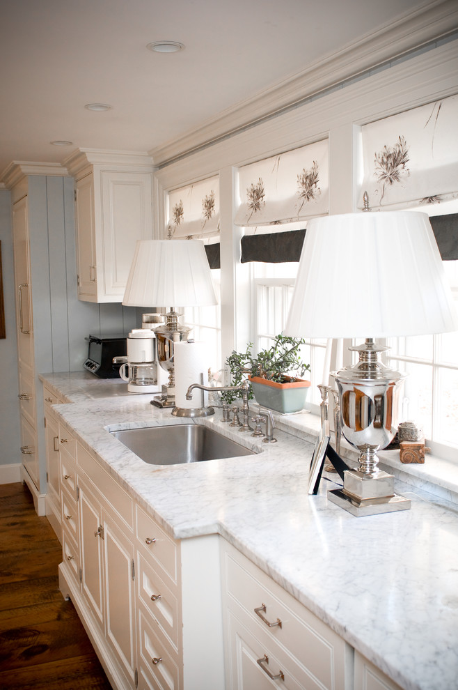 White Beachy Kitchen Cabinets Ideas