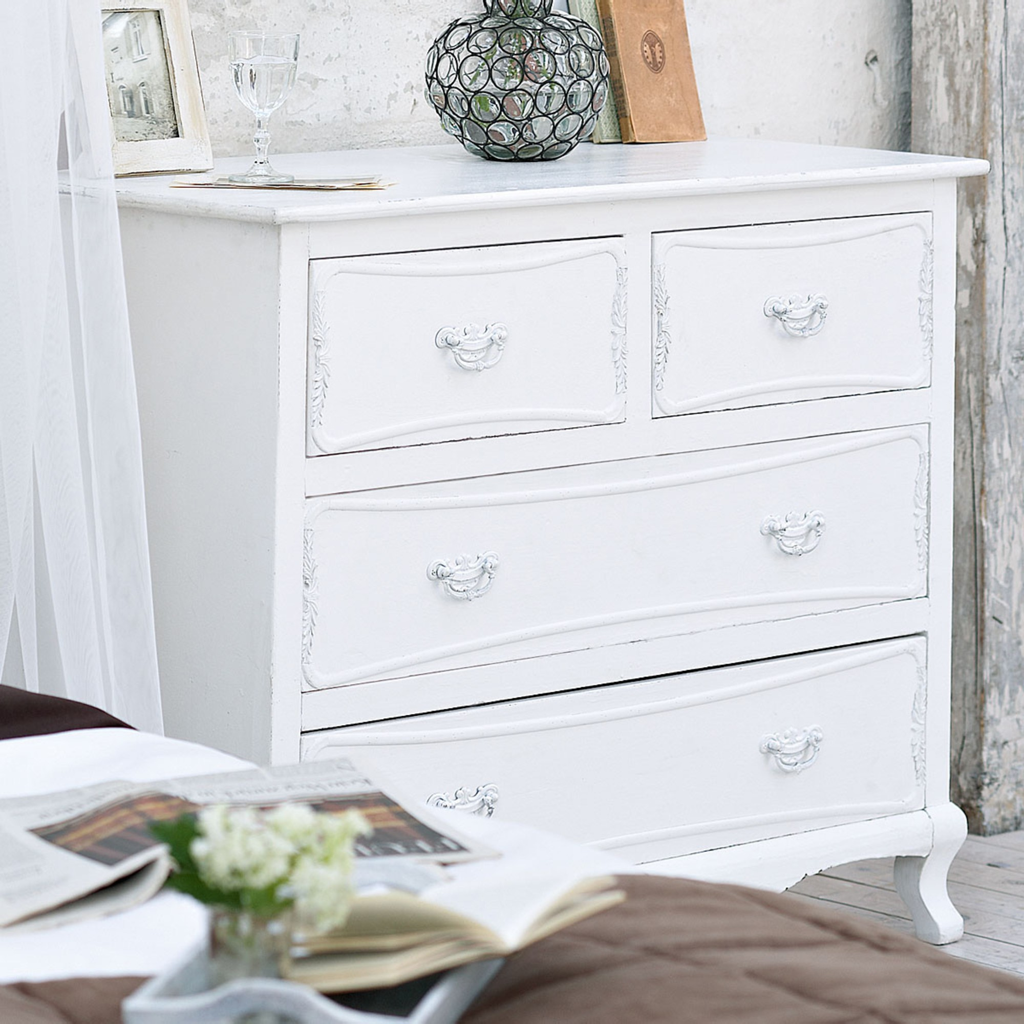 Antike kommode im shabby chic ideen top for Kommode shabby
