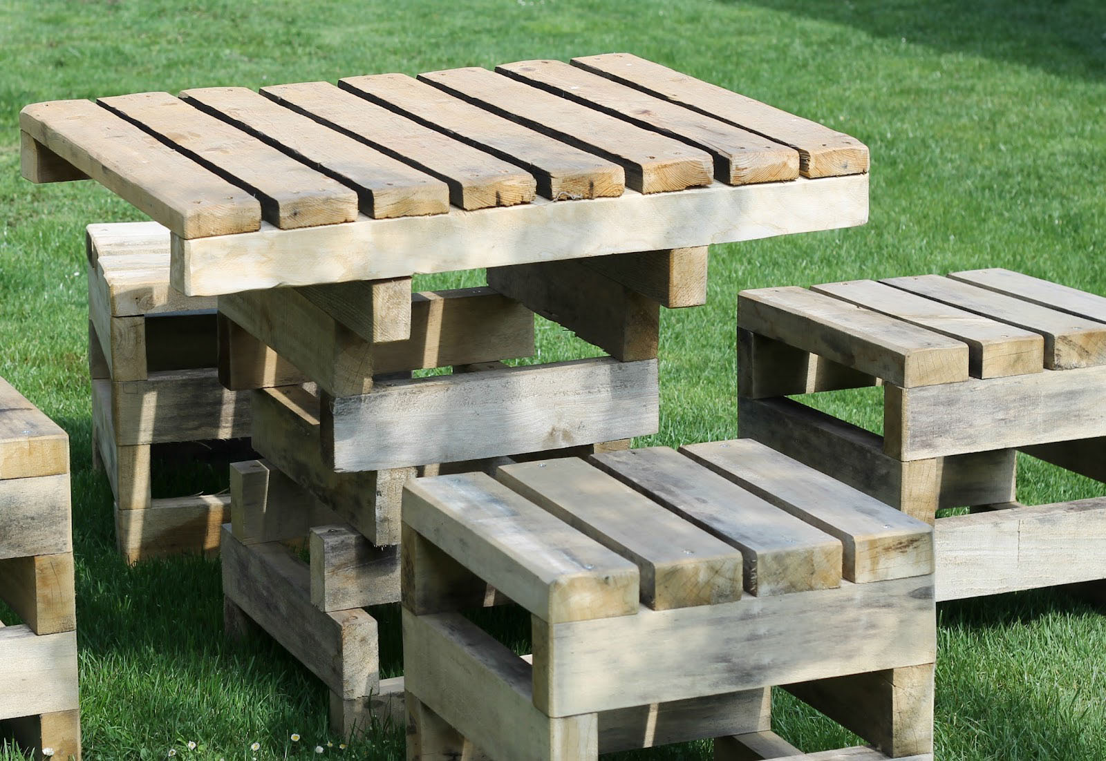 Outdoor Furniture Wood Type Cedar