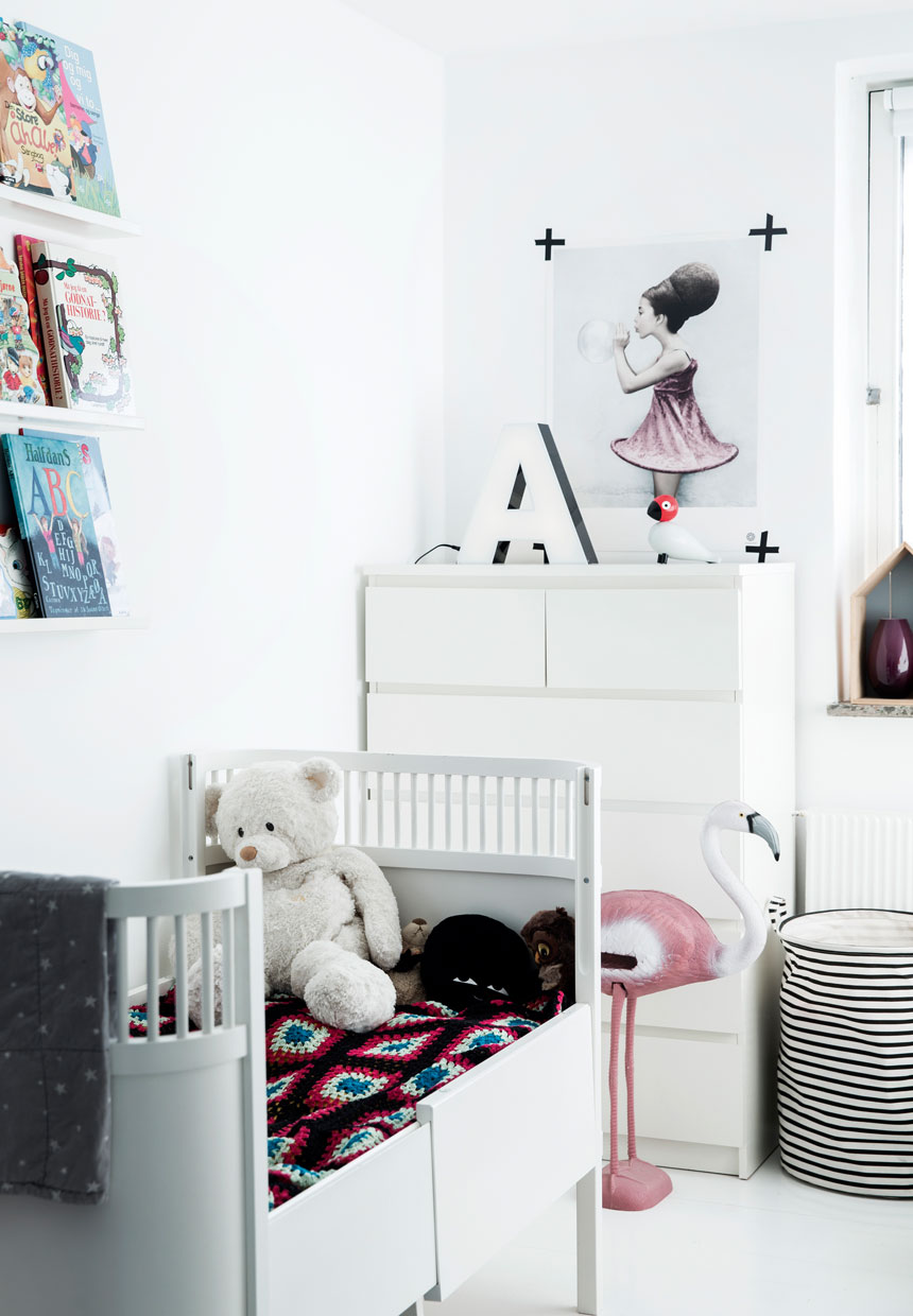 bezaubernde kinderzimmer in einem skandinavischen stil. Black Bedroom Furniture Sets. Home Design Ideas